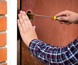Lock Locksmith Tech Colorado Springs, CO 719-315-3314